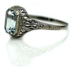 Art Deco Aqua Marine Ring in 10 Kt White Gold