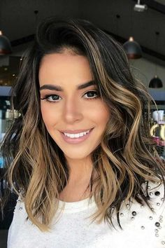56 New ideas hairstyles for medium length hair color highlights balayage Brunette Hair With Highlights, Brown Hair Balayage, Hair Color Highlights, Brunette Lob, Front Highlights, Balayage Color, Caramel Highlights, Balayage Highlights, Best Ombre Hair