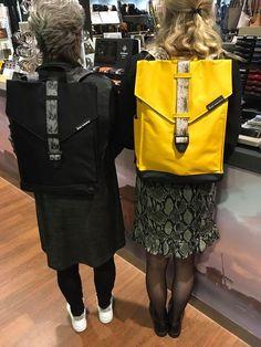 Wat zijn de nieuwste Bold Banana rugzakken leuk 💕 Voor welke kleur zou jij gaan? Verkrijgbaar bij ons in de winkel en online. Kanken Backpack, Banana, Backpacks, Bags, Shopping, Fashion, Handbags, Moda, Fashion Styles