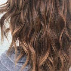 Swipe for before 》》》Our Bailee @stylingbybai Creating Caramel dreams • • • #caramelhair #brownhair #brown #caramel #balayage #balayageombre #balayagehighlights #haircolor #color #highlights #blondehair #haircut #hair #hairstyles #hairstylist #hairdressermagic #hairdresser #loreal #lorealprofessionnel - #regrann