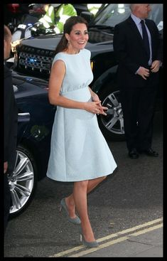 Kate Middleton style - Kate wore a powder blue dress that just barely showed off her baby bump to a charity event at London's National Portrait Gallery.