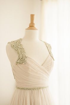 Find beautiful wedding dresses from @garnishboutique | via OnceWed.com | http://www.oncewed.com/new-sponsor-blog/a-beautiful-bridal-experience-garnish-boutique/