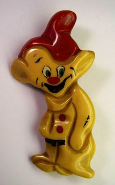 Bakelite disney figural pin/brooch, dwarf dopey from snow white Jewelry Armoire, Antique Jewelry, Vintage Jewelry, Funky Jewelry, Vintage Brooches, Vintage Costume Jewelry, Vintage Costumes, Bollywood Jewelry, Plastic Jewelry