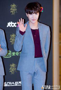 @ starjn_news twitter update --------------- BTS at Golden Disk awards ( J-HOPE )