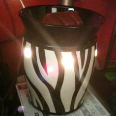 Zebra scentsy pot!! :-)