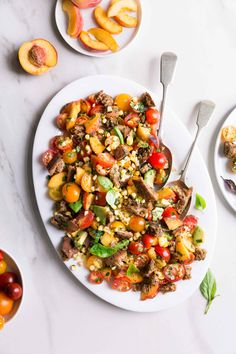 Summer Panzanella Salad with Corn, Tomatoes & Peaches + Za'atar Croutons by The Green Life Healthy Salad Recipes, Vegetarian Recipes, Tasty Snacks, Healthy Eats, Yummy Food, Sweet Corn Recipes, Grilled Romaine Salad, Eating Light, Clean Eating