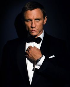 """Adele's music make babies coo and stone cold agents like James Bond cry. NEW MUSIC: Adele """"Skyfall"""" In an interview with Yahoo! Movies, James Bond actor Daniel Craig admitted Adele's """"Skyfall"""" made him cry. Daniel Craig James Bond, Soirée James Bond, Estilo James Bond, Omega James Bond, Craig 007, Craig Bond, Omega 007, Skyfall, Thank You Lord"""
