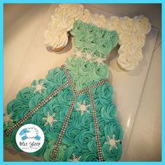 Elsa Pull Apart Cupcake Cake