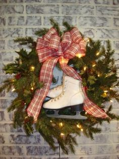 Ice skate wreath..... Need to find old pair of ice skates!