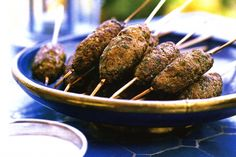 The Arabic Food Recipes kitchen (The Home of Delicious Arabic Food Recipes) invites you to try Beef kofta with saffron yoghurt Recipe. Mince Recipes, Low Carb Recipes, Cooking Recipes, Beef Recipes, Braai Recipes, Ketogenic Recipes, Cooking Tips, Recipies, Paleo