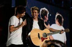 Esse sorriso do Louis é o que me faz verdadeiramente feliz