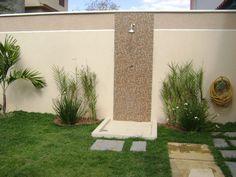 Casa e Reforma Mais\\. Pool Shower, Garden Shower, Outdoor Landscaping, Outdoor Decor, Outdoor Bathrooms, Luxury Homes Dream Houses, Garden Pictures, Eco Friendly House, Pool Designs