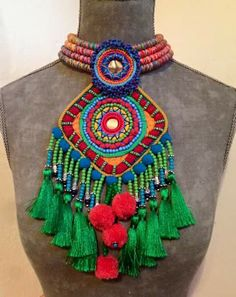 Bohemian jewelry You are in the right place about crochet blanket patterns Here we offer you the most beautiful pictures about the crochet patterns you. Jewelry Crafts, Jewelry Art, Beaded Jewelry, Jewellery, Textile Jewelry, Fabric Jewelry, Beaded Embroidery, Hand Embroidery, Handmade Necklaces