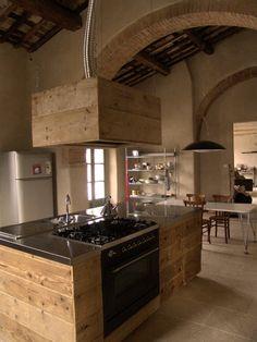 BLOG :: Gli arredi di recupero di Sestini e Corti kitchen from recycled wood
