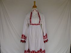 Vintage 70s 80s Folk Hungarian Crochet Lace Embroidery Cotton Peasant Dress Petal Collar Red White Ethnic Costume Kalocsa Bohemian Country