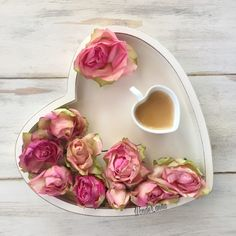BUONGIORNO ☕️ . .  . ☕️ .  . . #lemaddine #scatticolorful  #shutter_memory  #mammeoggi #capturingmemories__  #gf_flatlay #pocket_home #_photoaddicted_23  #colazione_perverapassione #mykopigram #scattigood  #scattachepassa #be_one_houses #FlatlayBreakfast #igw_amore #secondolamiaprospettiva  #foodlifepassion  #passionecolazione #eternalized_moment  #life_magazin_  #9Vaga_Shabbysoft9  #notonlymama  #i_loveeating #tv_stilllife #jj_still_life #9Vaga_Stillife9