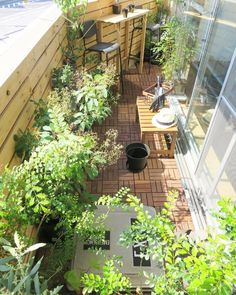 The porch is not just a place for drying - Telar Bufanda Garden Cafe, Rooftop Garden, Balcony Garden, Interior Garden, Interior And Exterior, Outdoor Spaces, Outdoor Living, Outdoor Decor, Balcony Design