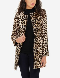 This sleek printed coat is on-trend and absolutely amazing. Its tailored lines add sophistication (so you can wear anywhere).