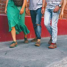veldskoenshoesusa Squad shoe goals ✅ It's true great style & fashion are contagious . Chukka Shoes, Fashion Boots, Style Fashion, Desert Boots, Squad, Parachute Pants, Harem Pants, Capri Pants, Goals