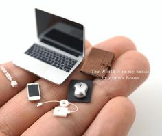 Miniatur-Laptop-Computer - Miniatur-PC - - P. Miniature Crafts, Miniature Dolls, Miniature Food, Accessoires Lps, Mini Choses, Crea Fimo, Mini Craft, Cute Little Things, Barbie Furniture