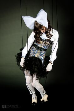 huma marionette | Human Marionette