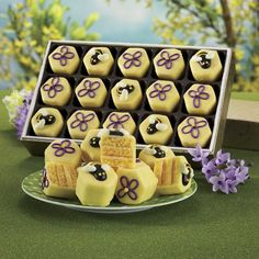 Bee & Flower Tea Cakes from The Swiss Colony® The latest buzz in sweet gifts? www.swisscolony.com