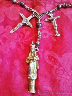 Importante rosario enteramente de plata, s. XVIII. 8 medallas 2 cruces. Rematado en Virgen del Pilar - Foto 2