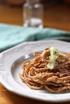 Pasta with Broccoli-Walnut Sauce