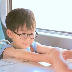 Song Daehan You are always the best son in the triple Triplet Babies, The Good Son, Song Daehan, Song Triplets, Korean Babies, Happy Pills, Kids And Parenting, Cute Kids, Superman