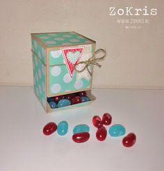 ZoKris: Mini Candy Dispenser
