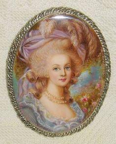 Marie- Antoinette Miniature
