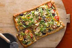 Rustic Veggie Pizza — Skillet-browned onion, peppers and zucchini. Melty mozz and feta cheese. Just scatter fresh arugula on top after baking for a veggie-ful treat. I'm not a vegetarian but this looks very nice. Pizza Recipes, Vegetarian Recipes, Cooking Recipes, Healthy Recipes, Vegetarian Pizza, Flatbread Recipes, Healthy Pizza, What's Cooking, Dip Recipes