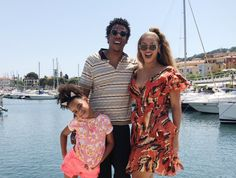 Family photos of Beyonce and Jay-Z on holiday with their daughter Blue Ivy Beyonce 2013, Beyonce Kids, Beyonce E Jay Z, Style Beyonce, Beyonce Family, Beyonce Knowles, Beyonce Funny, Beyonce Party, Beyonce Costume