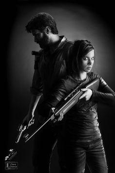 Ellie and Joel Last of Us Cosplay (by Clara Cosmia)