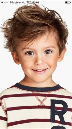 Lekker warrig jongenskapsel (cool boy with shag) If you liked this pin, click now for more details. Kids Cuts, Boy Cuts, Cute Hairstyles For Kids, Boy Hairstyles, Cute Little Boys, Cute Boys, Toddler Boy Haircuts, Beautiful Children, Beautiful Eyes