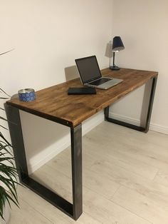 Rustic Wooden Desk Made From Reclaimed Scaffold Boards & Squ.- Rustic Wooden Desk Made From Reclaimed Scaffold Boards & Square Metal Frame Legs – Industrial Urban Upcycle Rustic Wooden Desk Made From Reclaimed Scaffold Boards & Diy Wooden Desk, Rustic Desk, Diy Desk, Rustic Wood, Rustic Chair, Metal Furniture, Diy Furniture, Furniture Design, Rustic Furniture