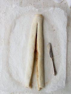 Herkullinen omena-kanelipitko — Peggyn pieni punainen keittio Rolling Pin, Rolls, Bread, Food, Buns, Brot, Essen, Bread Rolls, Baking