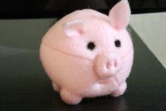 felt pigs | Tally's Treasury