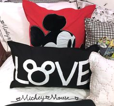 Sit back, relax, and get an up-close look at the new Ethan Allen Disney Furniture and Home Decor Collection—out today! Mickey Mouse House, Mickey Mouse And Friends, Baby Disney, Disney Disney, Disney Style, Ethan Allen Disney, Basement Movie Room, Disney Collection, Disney Pillows