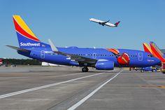 """Southwest Boeing 737-7H4  N409WN c/n: 27896 Hartsfield Int'l Airport October 2015 """"Triple Crown"""""""
