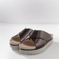 Zara Platform sandals Zara platform sandal | True size 36 | Worn once | No longer sold in stores | Bundles welcome and no trades Zara Shoes Sandals
