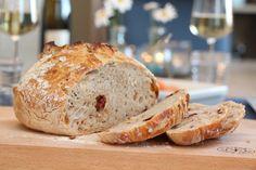 Eltefritt tomatbrød - ypperlig til grillmaten Tomato Bread, Low Fodmap, Vegan, Baking, Recipes, Bakken, Ripped Recipes, Vegans, Backen
