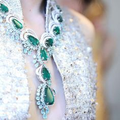 A new combination of emeralds and paraibas for the Silk Road collection with @guopei #CoutureXChopard