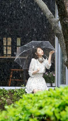 Rain &a Umbrellas! Korean Actresses, Korean Actors, Actors & Actresses, Scarlet Heart Ryeo Cast, Kim Sang, Fashion Corner, Iu Fashion, Korean Celebrities, Korean Singer