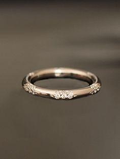 Marquise Diamond Wedding Ring in 14K Yellow Gold
