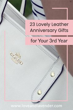 23 Lovely Leather Anniversary Gifts for Your 3rd Year | Gift ideas for couples- Love & Lavender #gifts #giftideas #anivversarygifts Three Year Anniversary Gift, 3rd Wedding Anniversary, Leather Anniversary Gift, Best Anniversary Gifts, Presents For Your Boyfriend, Unique Gifts, Best Gifts, Leather Gifts, Couple Gifts