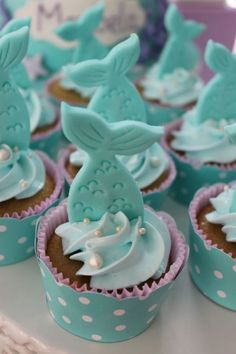 Mermaid Birthday Cakes, Mermaid Cupcakes, Little Mermaid Birthday, Little Mermaid Parties, The Little Mermaid, Birthday Party Decorations, Birthday Parties, Sea Cakes, Cake Decorating