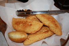 Aloo Pie: Aloo meaning Potato in Hindi, are simply flat elongated puffy fried pieces of dough, filled with a spicy (and often peppery) mashed potato filling. Trinidad favorite street food for breakfast, lunch or dinner Carribean Food, Caribbean Recipes, Jamaica, Barbados, Pie Recipes, Cooking Recipes, Curry Recipes, Puerto Rico, Kitchens