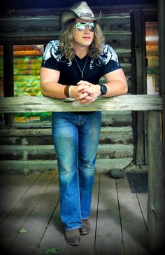 Check out Cory Marquardt on ReverbNation a true canadian heartthrobbing foot stompin lover undercover! Ow- raised my glass and tipped my hat! My Glass, Undercover, Country Life, Eye Candy, Hat, Check, Recipes, Fashion, Chip Hat