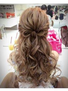 ヘアセット・ヘアスタイル・ヘアカタログ検索 [キレイスタイル] Up Dos For Medium Hair, Medium Hair Styles, Long Hair Styles, Graduation Hairstyles, Wedding Hairstyles, Hair Upstyles, Hair Arrange, Magic Hair, Hair Setting